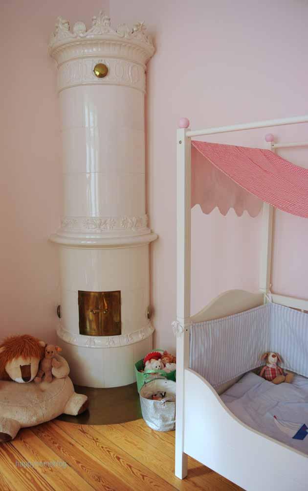 ein zuckers es kinderzimmer das rosa w lkchen meiner tochter happyhomeblog. Black Bedroom Furniture Sets. Home Design Ideas
